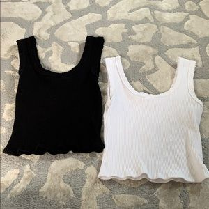 set of 2 urban outfitters tanks